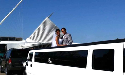 Couple utilizing limo services of Fiesta Limo